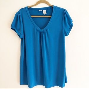 Duo Maternity v-neck short sleeve top. Large